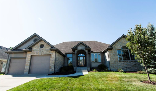 Picture of 12 Fairwood Drive, Miamisburg, OH 45342