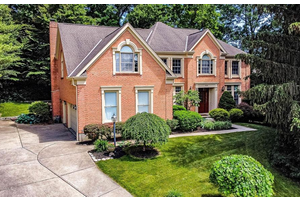 Picture of 11036 Huntwicke Place, Blue Ash, OH 45241