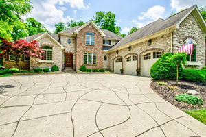 Picture of 1001 Kenworthy Place, Centerville, OH 45458