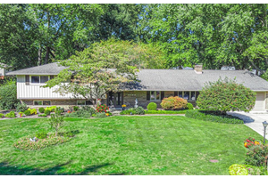 Picture of 7640 Stanley Mill Drive, Centerville, OH 45459